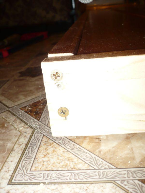 Соединяем дверную коробку на саморезы