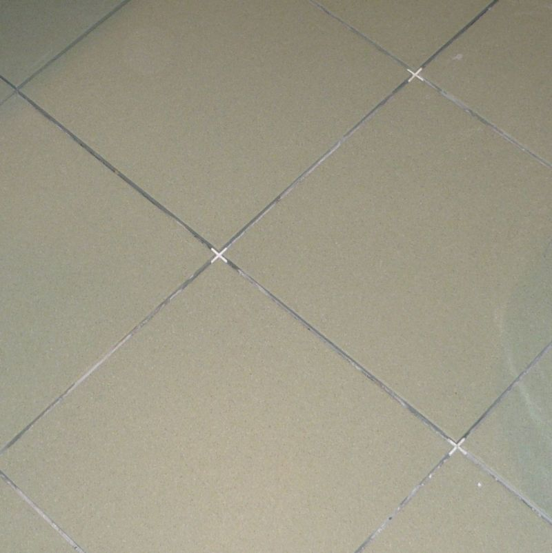 Крестики также нужны для выравнивания углов между плитками